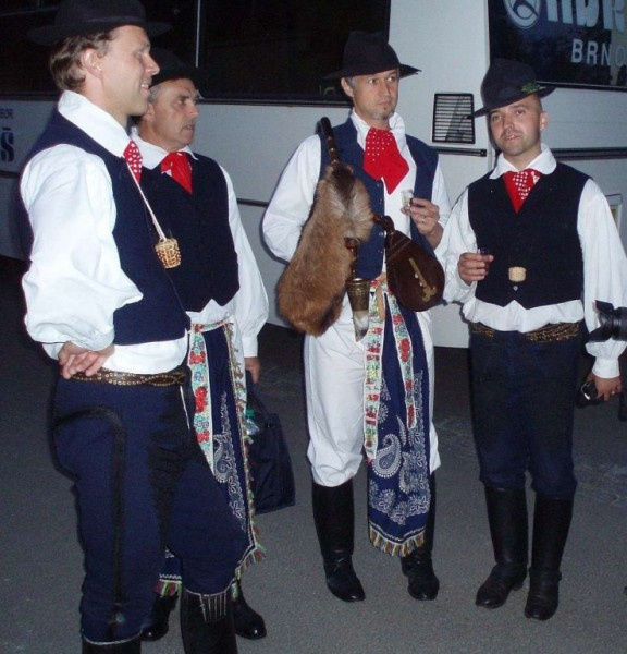 Mužský sbor Folklórního studia Buchlovice